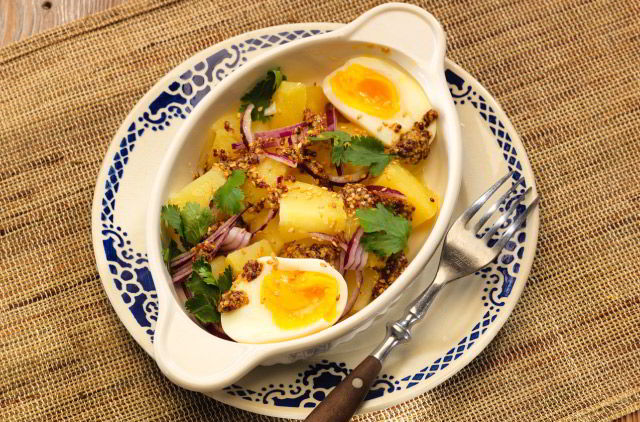 Photo Salade de pomme de terre oeufs & coriandre